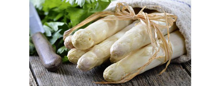 Cooked white asparagus