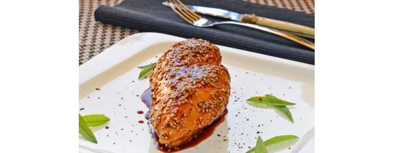 Chicken breast with sesame and honey
